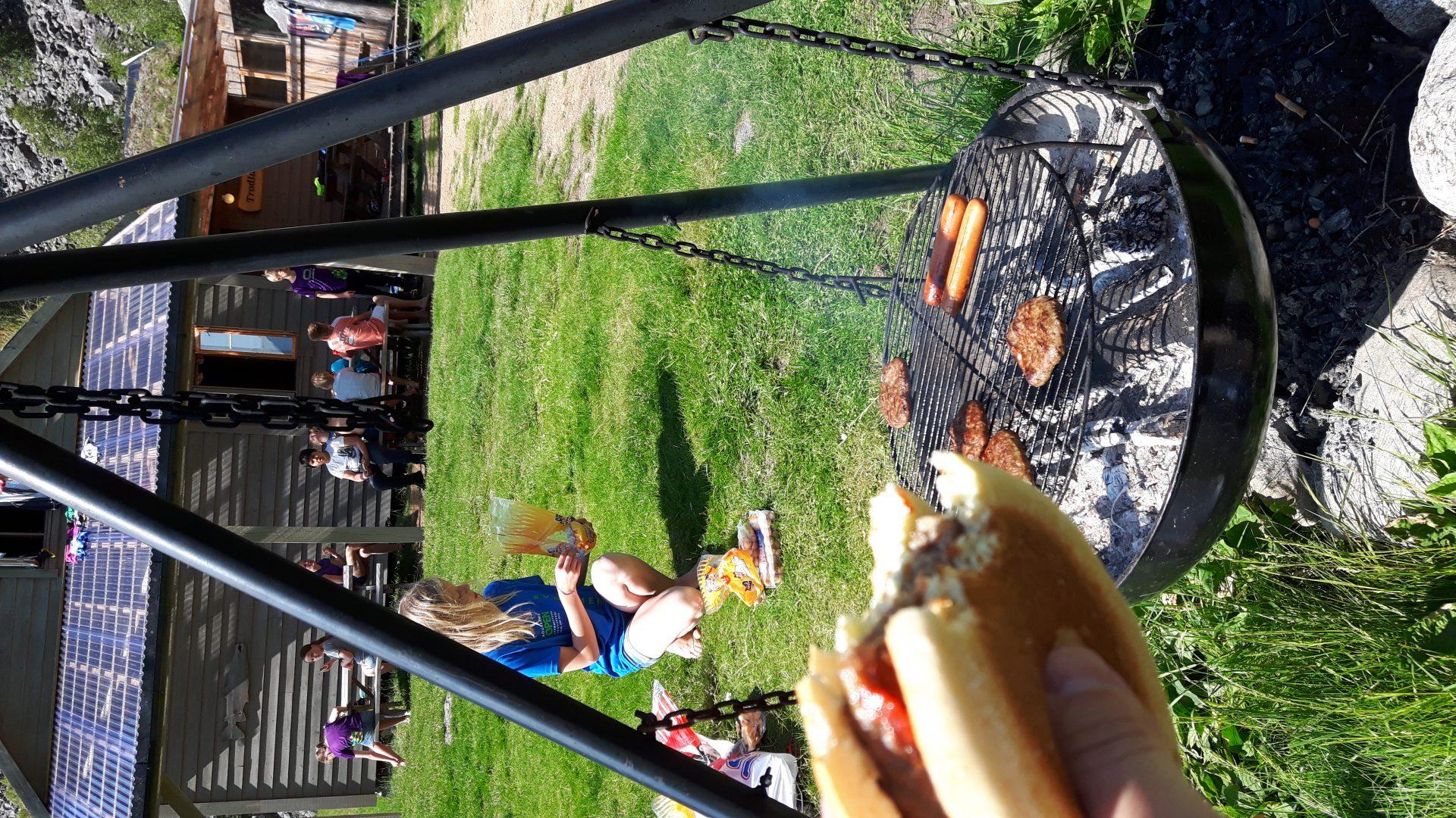 Grillmat etter ei lang vandring gjer godt for både kropp og sinn!